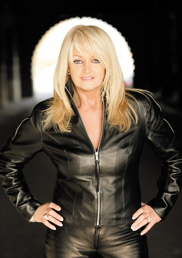 Bonnie Tyler – between the earth & the stars