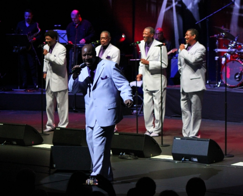 Beitragsbild Nachbericht Love and Peace mit Welthits - The Temptations Review im Metropol Theater Bremen am 12.10.2019