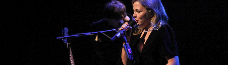 Annett Louisan reißt das Bremer Publikum mit im Metropol Theater Bremen