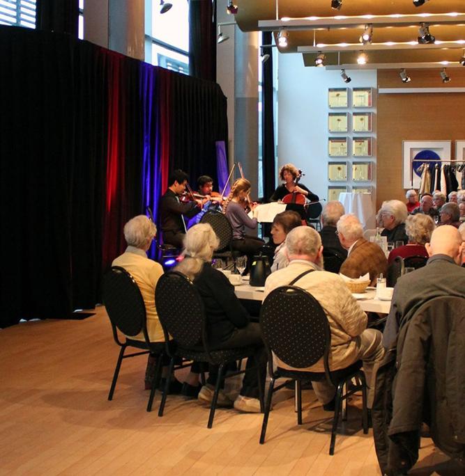 Gäste des Konzertes der Klassik im Mayfair