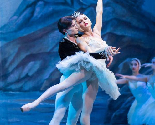 Plakatmotiv Schwanensee Ballet St. Petersburg Festival Ballet & Hungary Festival Orchestra in Bremen